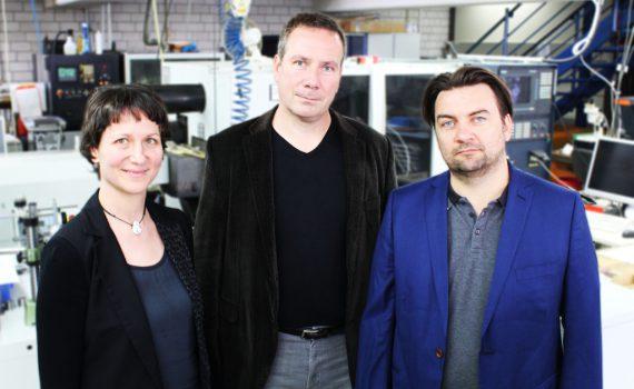 (v.l.n.r.): Karin Fléing (GF Schoeps), Jörg Rader, Helmut Wittek (GF Schoeps)