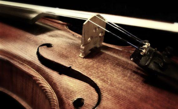 Geige aus Holz