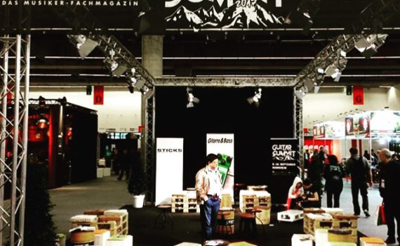 Guitar Summit Stand