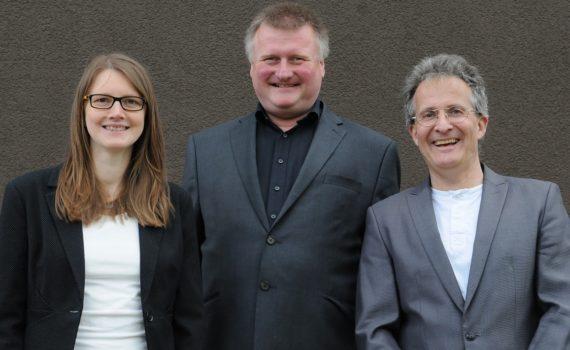 Vertriebteam der Microtech Gefell GmbH (v.l. Vertriebsingenieurin Elisabeth Kühnast, Vertriebsmitarbeiter Torsten Turinsky und Vertriebsleiter Dipl.-Ing. Udo Wagner)