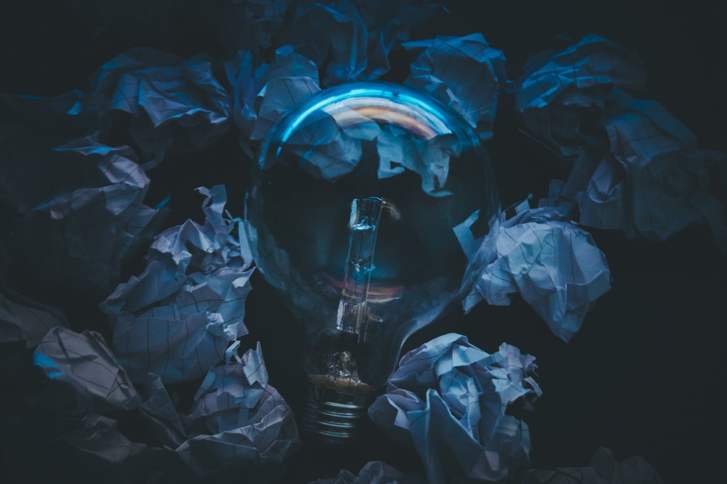 innovation-idee-glühbirne-lampe-licht